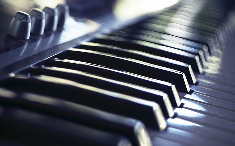 5 prednosti električnega klavirja